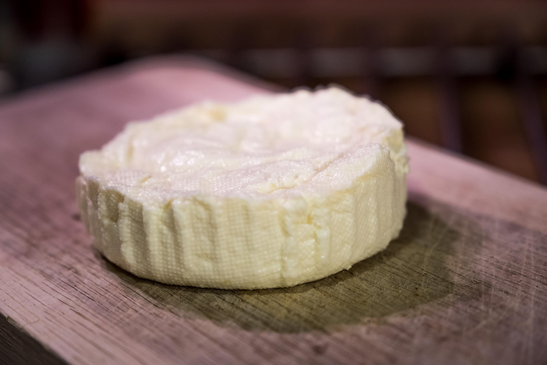 Balkánský sýr, stačí jen nakrájet