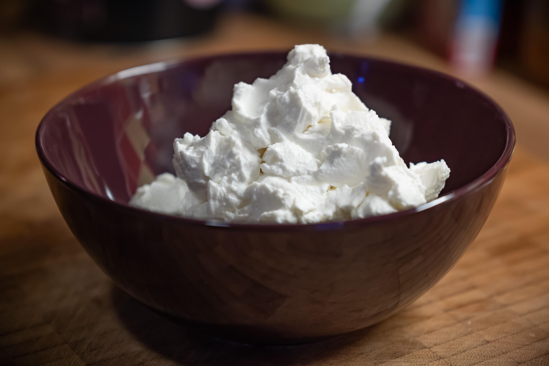 Jogurt řeckého typu, pevný a hutný