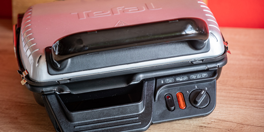 Kontaktní gril Tefal Ultra Compact 600 Classic