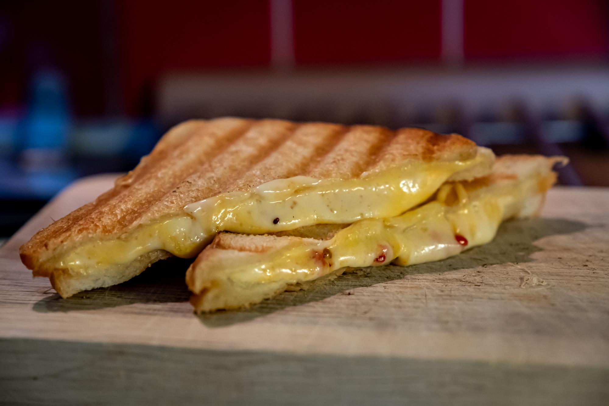 Grilovaný sýrový sandwich
